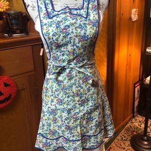 Vintage flower 🌸 print full apron